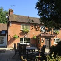 Chilterns dog-friendly pub and dog walk, Buckinghamshire - Buckinghamshire dog walk and dog-friendly pub