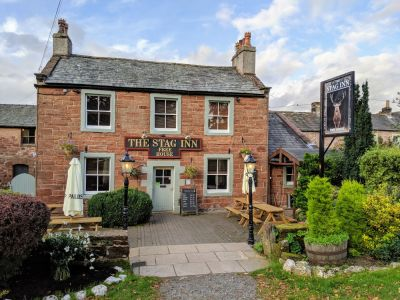 Classic Walker and Dog-friendly Country Pub in Dufton near the A66, Cumbria - Driving with Dogs