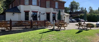A303 Test Valley dog walk and dog-friendly pub, Hampshire - Driving with Dogs