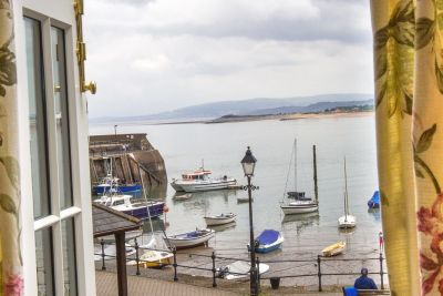 A39 dog-friendly pub with B&B and beach walk, Somerset - Driving with Dogs