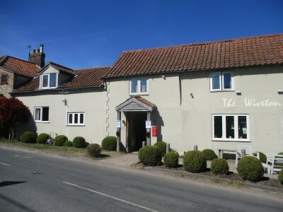 A149 Dog-friendly dining pub with garden, Norfolk - Driving with Dogs