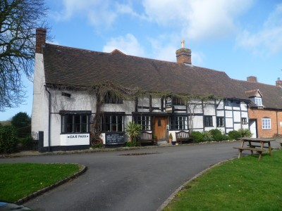 A46 near Stratford-upon-Avon dog-friendly pub and dog walk, Warwickshire - Driving with Dogs