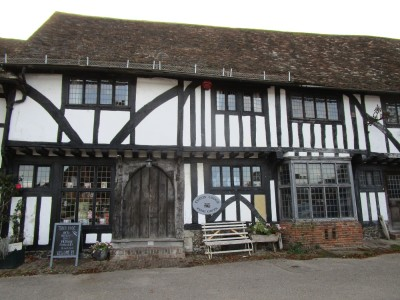 A252 doggiestop with pubs, Kent - Driving with Dogs