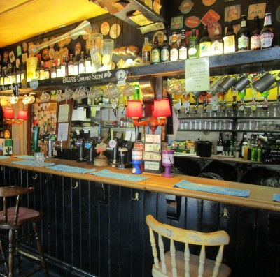 Olde worlde pub with B&B and dog walk, Devon - Driving with Dogs