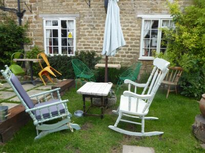 Malton area dog walk and dog-friendly rustic pub, North Yorkshire - Driving with Dogs