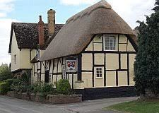Historic village inn with dog walk, Gloucestershire - Driving with Dogs
