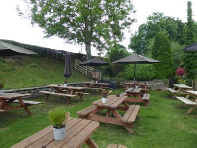 A170 dog-friendly inn and walk near Pickering, North Yorkshire - Driving with Dogs