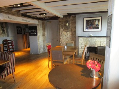A44 dog-friendly pub, with walks and campsite, Oxfordshire - Driving with Dogs