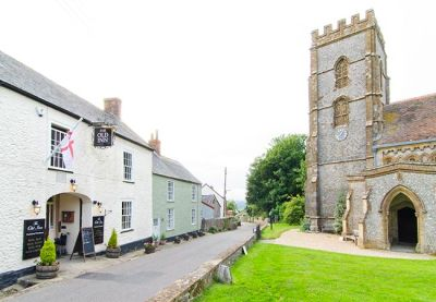 Country pub and dog walks near Lyme, Devon - Driving with Dogs