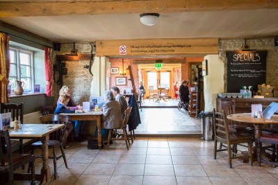 A30 and A350 dog-friendly dining inn Shaftesbury, Dorset - Driving with Dogs