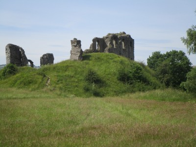 Brooding ruins, riverside dog walk and B&B, Shropshire - Driving with Dogs