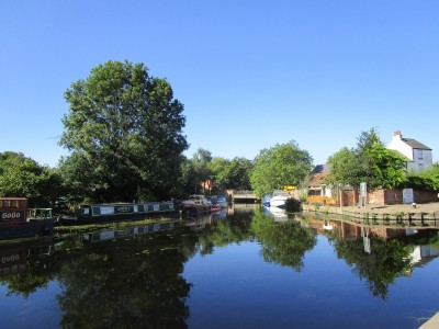 River Soar dog-friendly pub and dog walk, Leicestershire - Driving with Dogs