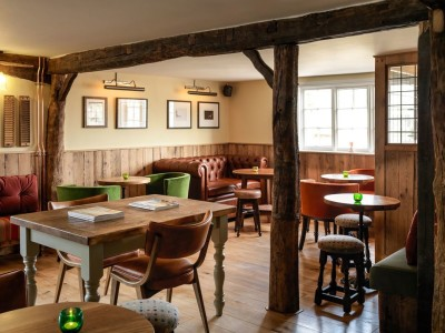 A10 dog-friendly pub and dog walk, Hertfordshire - Driving with Dogs