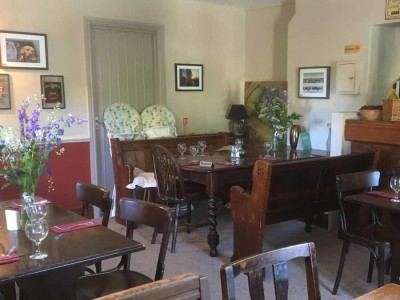 Family and dog-friendly pub near Stonehenge, Wiltshire - Driving with Dogs