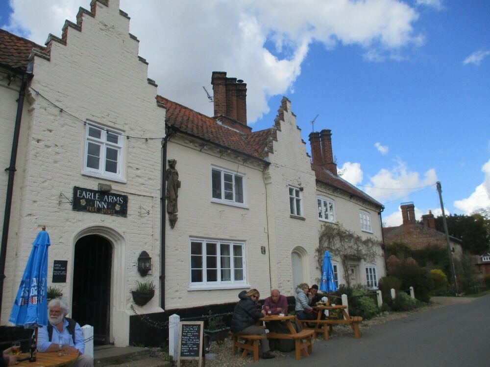 Feudal village and excellent tea shops, Norfolk - Dog-friendly pubs in Norfolk