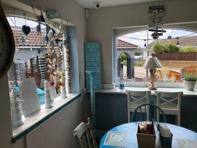 Lola & Suggs dog-friendly Cafe, Talacre, Wales - Driving with Dogs
