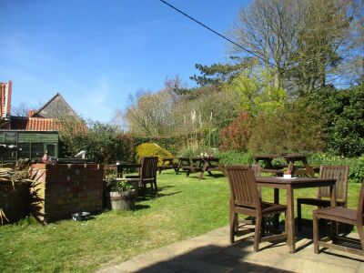 A149 Dog-friendly pub with old-school puds and a charming garden, Norfolk - Driving with Dogs