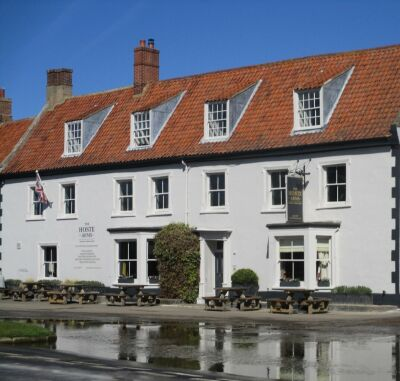 Burnham market dog-friendly pubs and cafes, Norfolk - Driving with Dogs