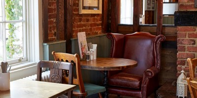A10 dog walk and dog-friendly pub near Ware, Hertfordshire - Driving with Dogs