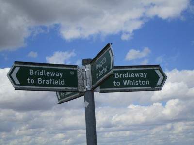 M1 Junction 15 dog walk and dog-friendly pub, Northamptonshire - Driving with Dogs