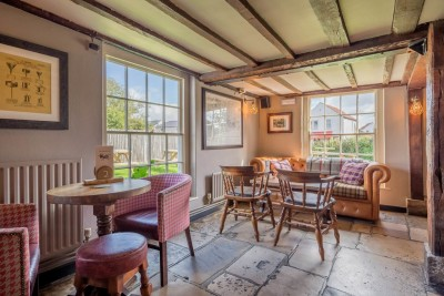 A27 dog-friendly pub and dog walk near Chichester, West Sussex - Driving with Dogs
