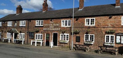 Dog-friendly pub near Stretton, Cheshire - Driving with Dogs