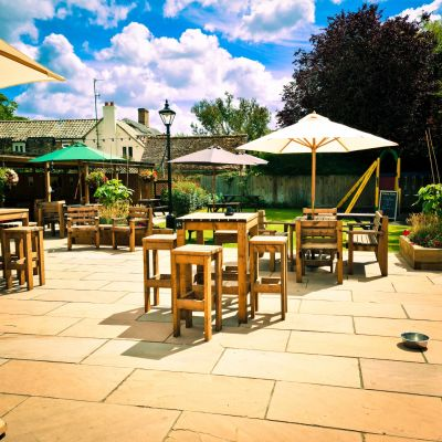 Accessible walk near the A14 with pub and parking, Cambridgeshire - Driving with Dogs