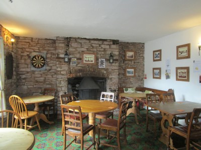 A438 dog and family-friendly pub in the Wye Valley, Herefordshire - Driving with Dogs