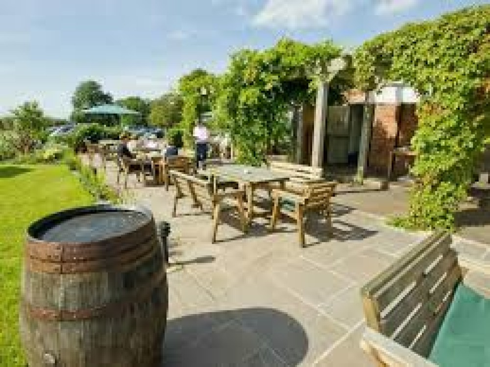 Country pub and dog walk near Chester, Cheshire - dog-friendly-pubs.jpg