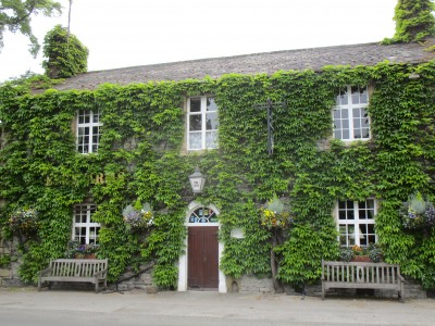Bakewell area dog-friendly pub, Derbyshire - Driving with Dogs