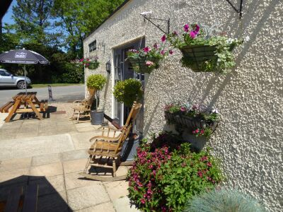 Pretty dog-friendly village pub with a dog walk near Louth, Lincolnshire - Driving with Dogs