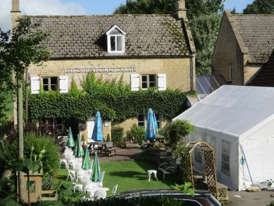 Dog-friendly country inn near the A40, Gloucestershire - Driving with Dogs