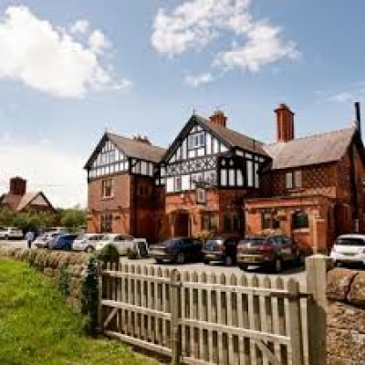 Dog walk along the River Dee and dog-friendly dining, Cheshire - Driving with Dogs