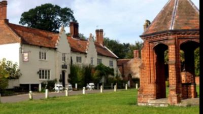 Feudal village and excellent tea shops, Norfolk - Driving with Dogs
