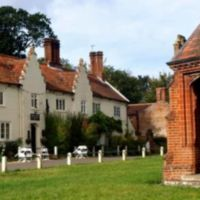 Feudal village and excellent tea shops, Norfolk - Dog-friendly pub and dog walk near Aylsham