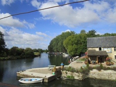 A361 Riverside pub/cafe and dog walk, Gloucestershire - Driving with Dogs
