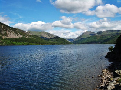 Scenic Lakeside dog walk in the Lake District, Cumbria - Driving with Dogs