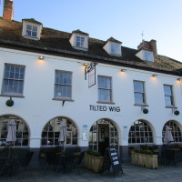 Tilted Wig dog-friendly pub in Warwick, Warwickshire - Dog walks in Warwickshire