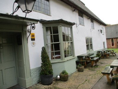 A354 heritage village with pub and dog walk, Dorset - Driving with Dogs